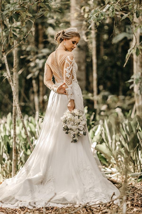 W jaki sposób zdobyć wymarzoną suknię ślubną?