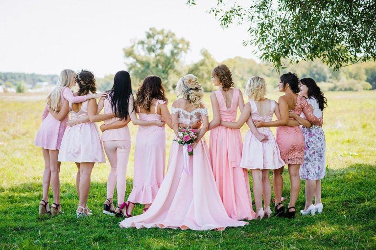 Jak wybrać idealnie dopasowane suknie ślubne?