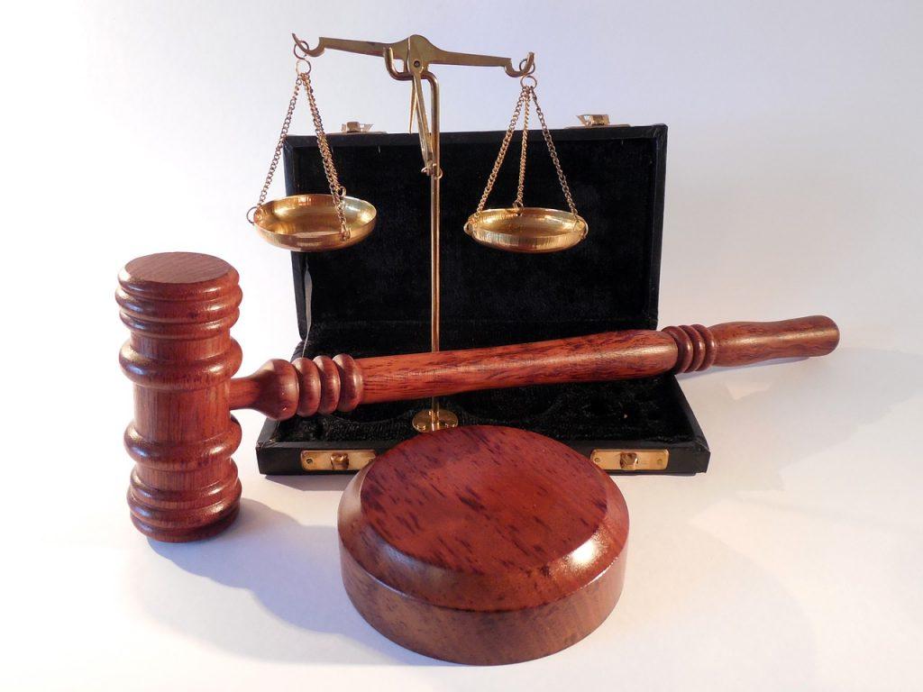 Rozwód z małżonkiem. Czy trzeba zgłaszać się do adwokata?