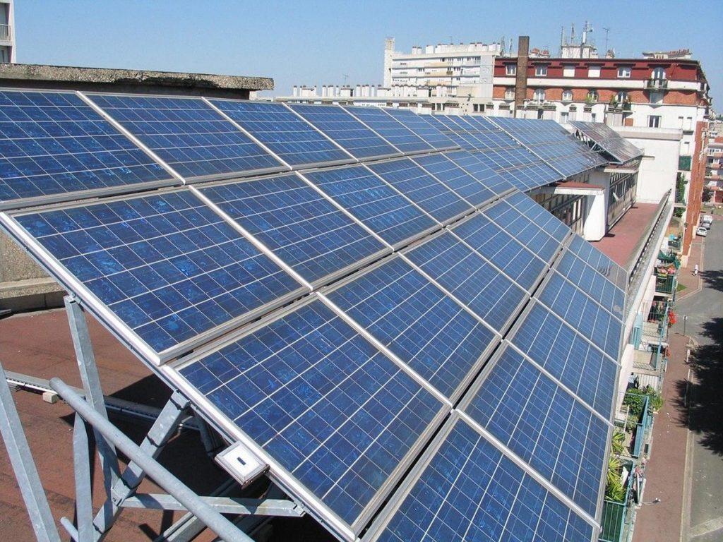 Czy falowniki słoneczne są niezbędne w układach solarnych?