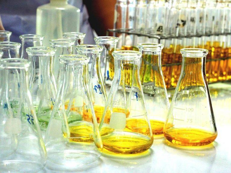 Jakie wzorce chemiczne zakupić do laboratorium?