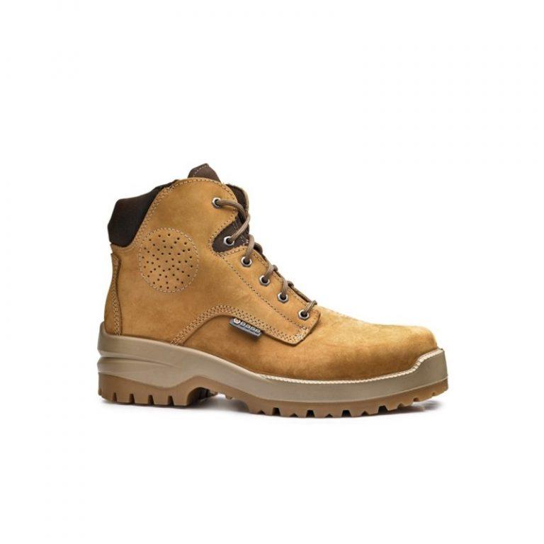 W jakich butach chodzicie do pracy?